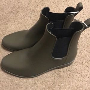 NWT A New Day rain boots olive green black 8 wide